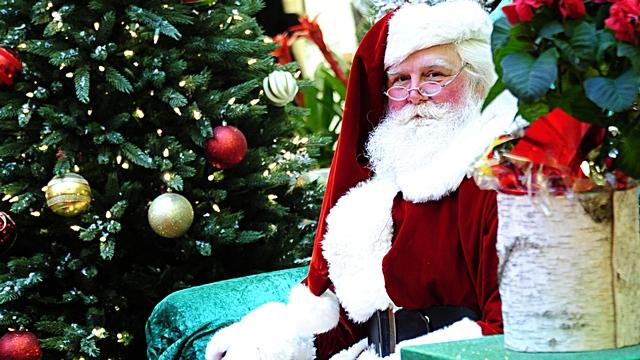 Forbes: Санта-Клаус не комментирует споры об Арктике, но пристально следит