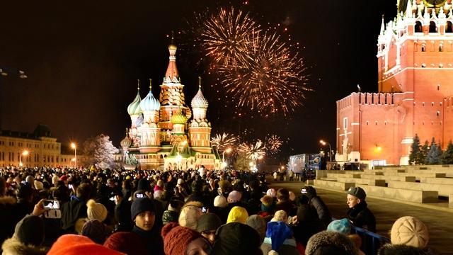 Липман: Цены на водку заморозили, чтобы россияне могли согреться на Новый год