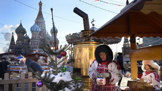 Американский журналист нашел дюжину причин отмечать Рождество «по-русски»