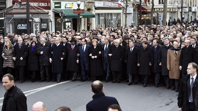 Участие Лаврова в парижском шествии возмутило Le Monde