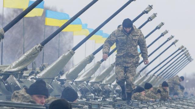 OP: Украинцы не хотят быть пушечным мясом для олигархической власти Киева