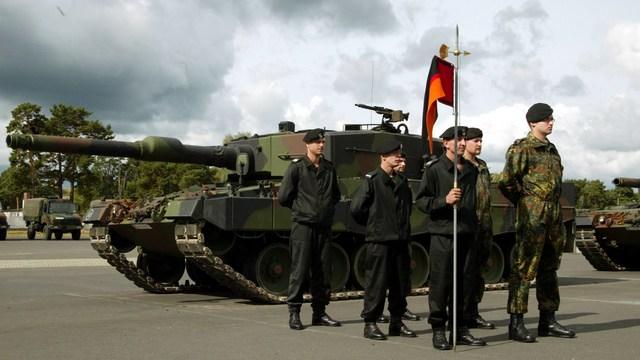 Obserwator Polityczny: Поляки перебьют русские танки и пойдут в атаку