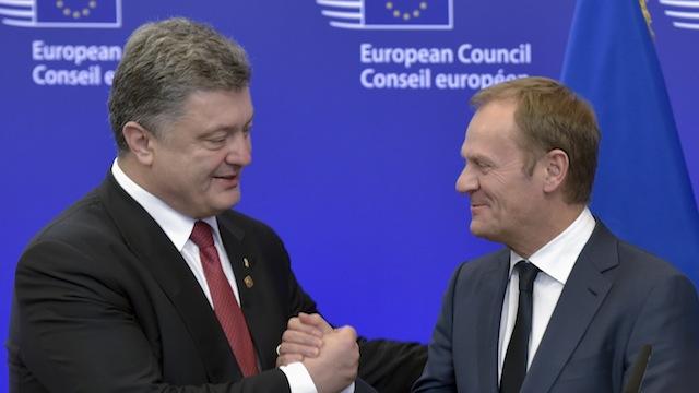 Obserwator Polityczny: Запад говорит о мире, планируя втянуть в войну Россию