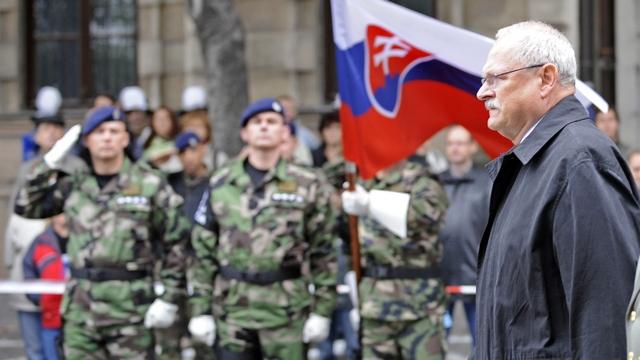 Contra Magazin: Словаки бегут от армии, чтобы не воевать за НАТО