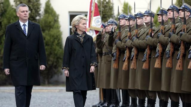 Die Welt: Поляки боятся «призрака Сталина» и стремительно вооружаются