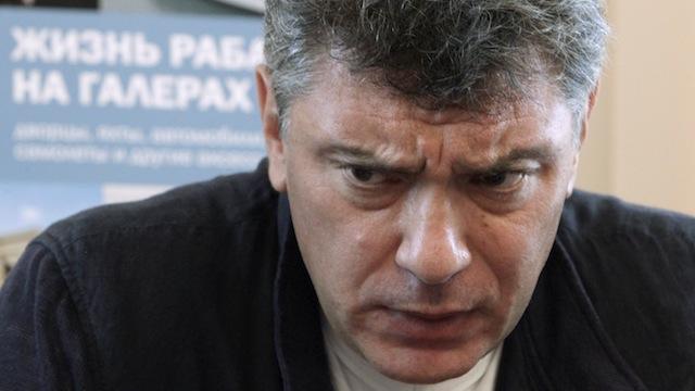 Gazeta Wyborcza: Немцов пытался повести Россию польским путем