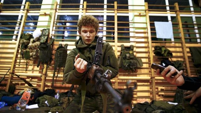 WSWS: Польша ставит под ружье школьников и экстремистов