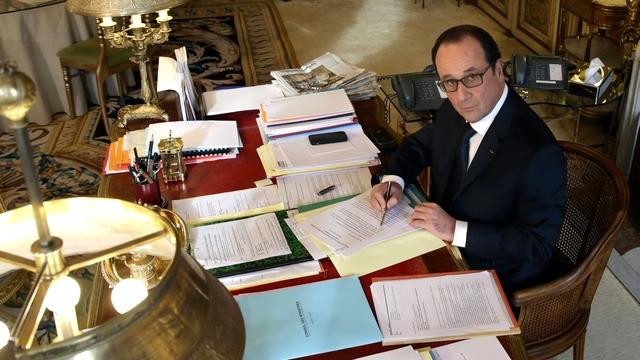 Le Monde: Париж упрекнул Киев в вольной трактовке минских соглашений