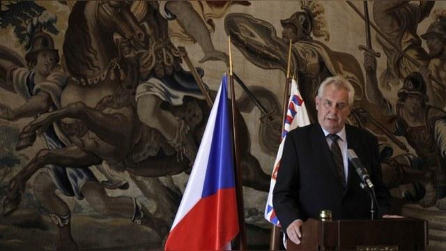 NYT: Чешский президент приедет в Москву, но парад Победы не посетит