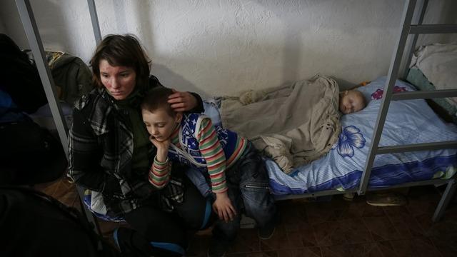 Independent: Киевская бюрократия «душит» украинских беженцев