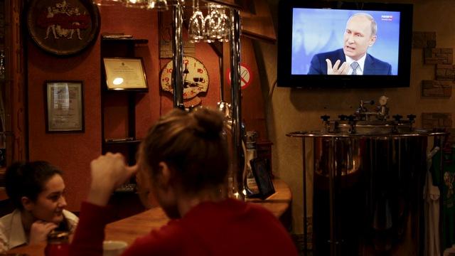 Комментарий: Царь Путин и его кафкианское телешоу