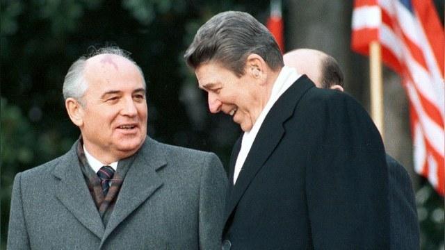 Daily Express: Рейган предлагал Горбачеву вместе бороться с пришельцами