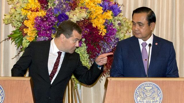 Japan Times: Визит Медведева позволил Таиланду перевести дух от санкций