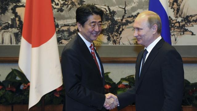 Hokkaido Shimbun: Абэ объяснил Путину, почему не приедет 9 Мая