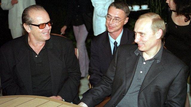 FA: Голливудский образ злых русских удерживает США от войны с Россией
