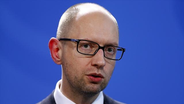 Яценюк: Россия преувеличивает свой вклад в победу над Гитлером