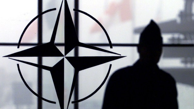 DM: Чтобы защитить Европу от Путина, НАТО высылает «российских шпионов»