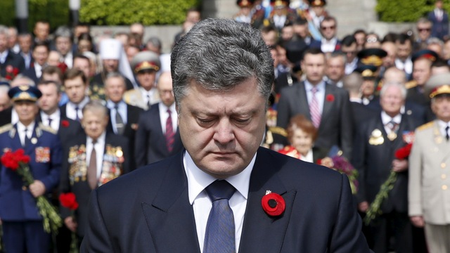 Порошенко не видит разницы между НКВД и Гестапо: «Чума она и есть чума»