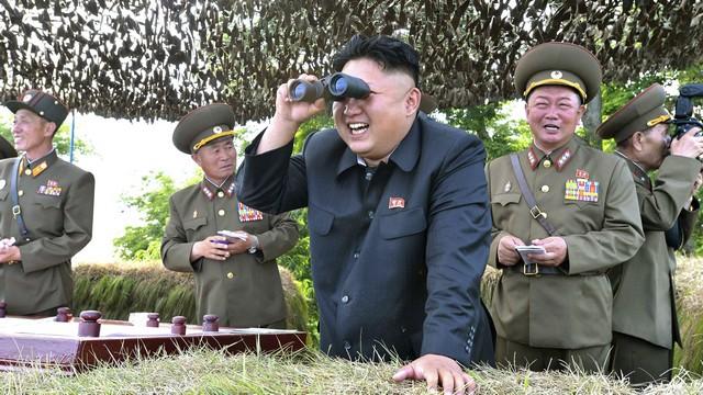 Daily Telegraph: По части культа личности Путин обошел Ким Чен Ына