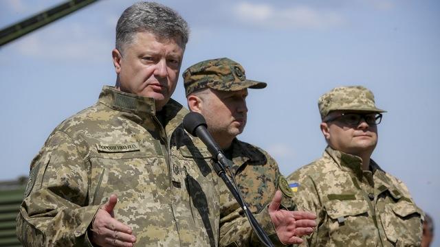 Порошенко: Украинцы должны готовиться к наступлению российских войск