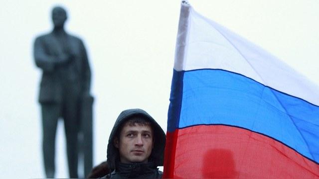 New York Times: Гигантская статуя Владимира вызвала протест москвичей