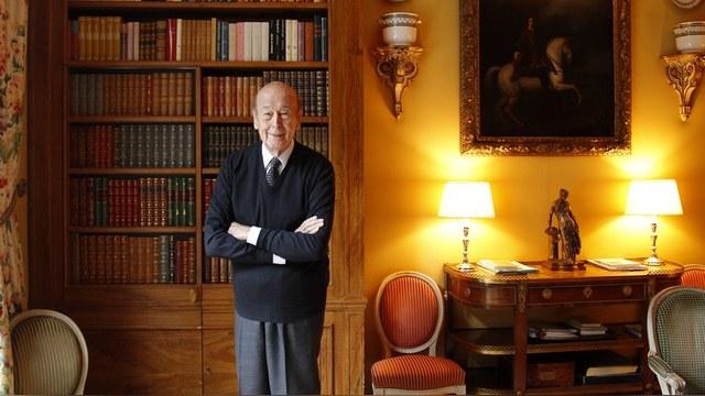 Экс-президент Франции не верит в мирные намерения США на Украине