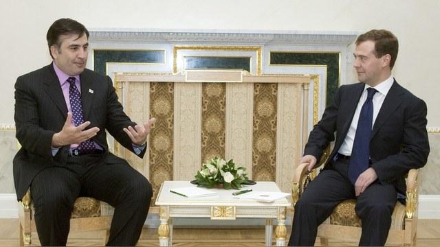 Медведев о назначении Саакашвили: Шапито-шоу продолжается
