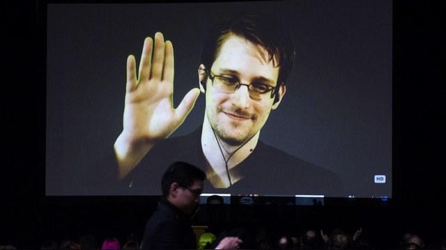 Fortune: Сноуден кусает руку России, которая его приютила