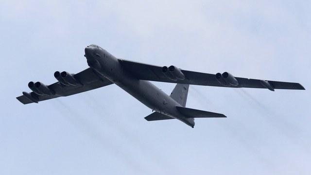 WFB: США отправили в Европу три B-52, чтобы «сдержать» Россию