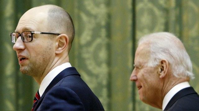 CM: Киевские олигархи выставили Украину на «летнюю распродажу»