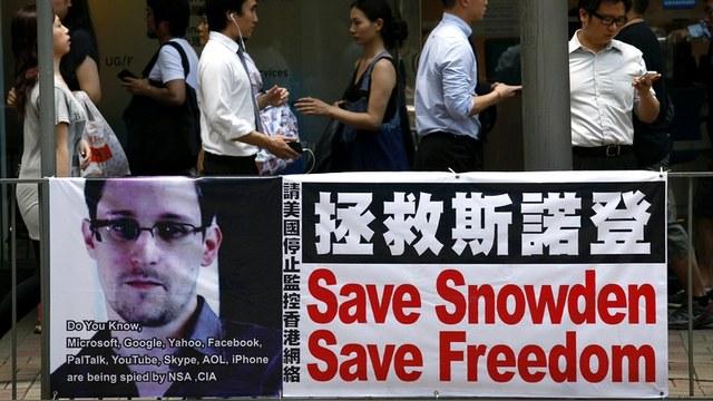 Guardian: От вопросов слежки британские власти отвлекают Сноуденом