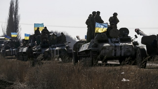 Число украинских военных в зоне конфликта увеличено до 60 тысяч