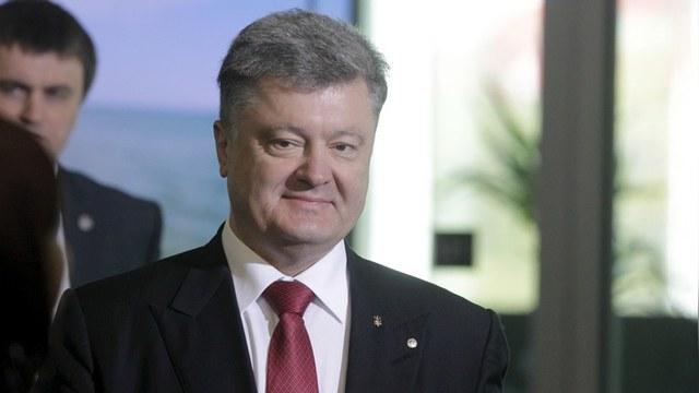 Порошенко пообещал ввести Украину в «круг успешных стран»