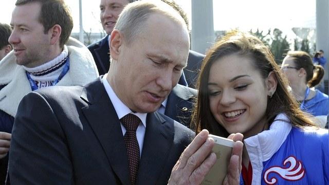 New York Times: Селфи-бум охватил всех, кроме Путина