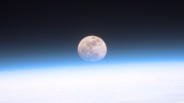 Daily Mail: Россия «отправит» на Луну чисто женскую команду