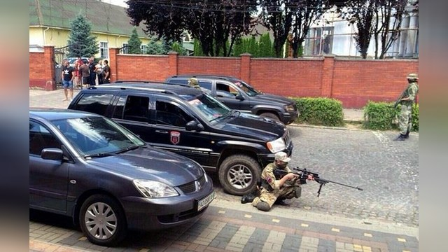 112 Украина: СБУ эвакуирует мирных жителей из Мукачева