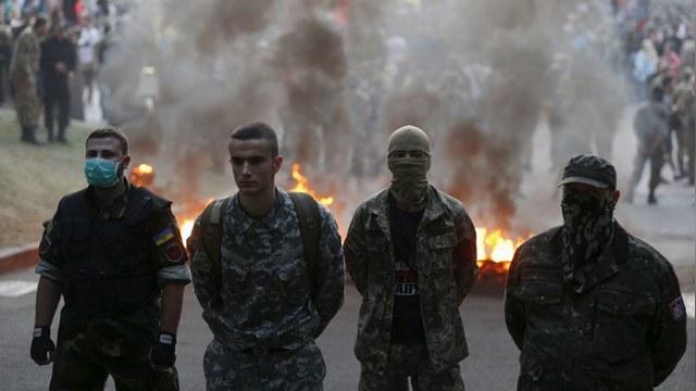 Times: Киев вынужден бороться со своими же фашистами