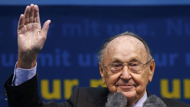 Немецкий политик: Горбачев сам признал, что обещания не расширять НАТО не было