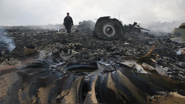 Telegraph: Родственники пассажиров MH 17 выставили «счет» Стрелкову