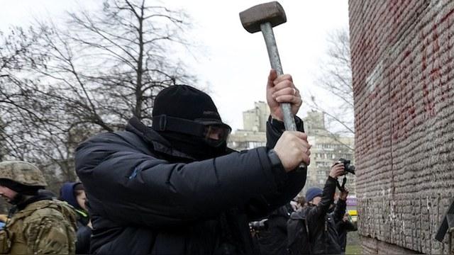GW: Поляки портят памятники УПА на благо «российской пропаганды»