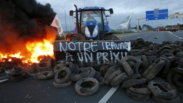 Французские фермеры требуют у Парижа договориться с Россией о снятии эмбарго
