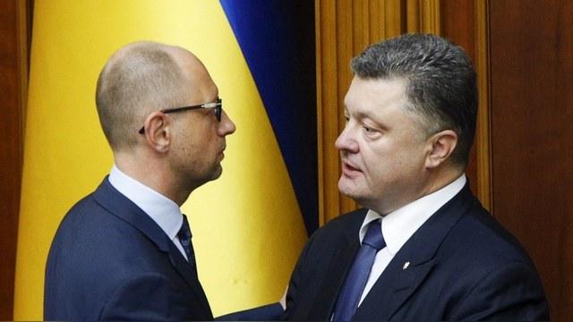 CM: Война Порошенко «на три фронта» рискует закончиться его отставкой
