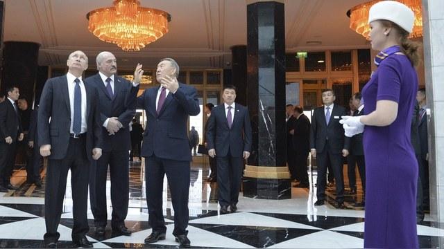 New Europe: Россия входит в силу, прикрывшись Грецией