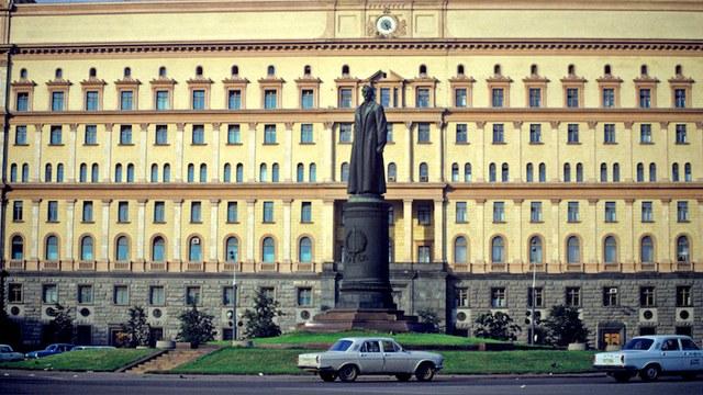 GW: За место на Лубянке Дзержинский поспорит со святым Владимиром