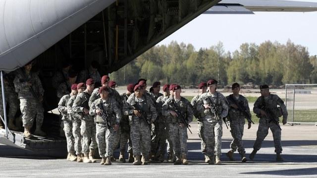 Politico: Военные базы НАТО в Прибалтике спасут Европу от «агрессии Путина»
