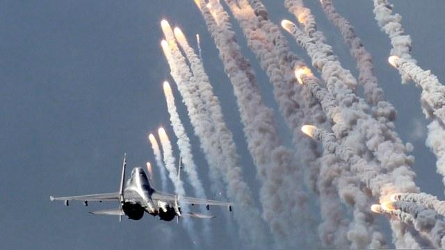 Индийцы на Су-30 утерли нос британским «Тайфунам»