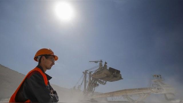 Bloomberg: Русские работают много, но неэффективно