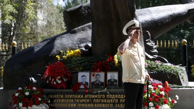 RFE: СМИ заставили россиян «простить» властям трагедию «Курска»