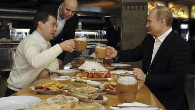 SD: Путин давит сыр бульдозером, чтобы убедить россиян в своей решимости