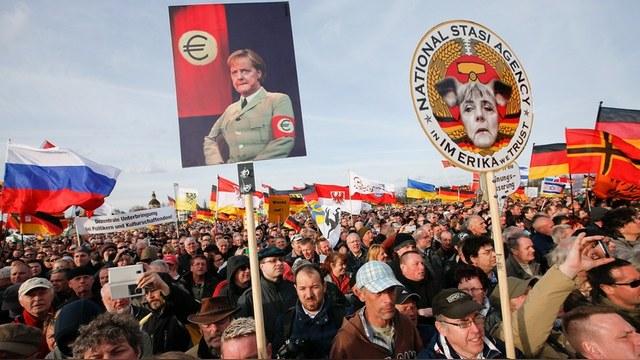 Tagesspiegel: В Германии тех, кто симпатизирует Путину, считают сектой